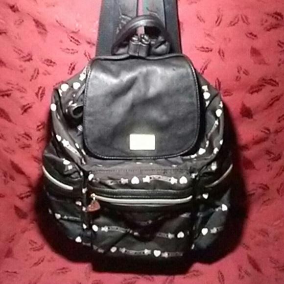 Betsey Johnson Handbags - 🎀BETSEY JOHNSON FULLSIZE BACKPACK🎀